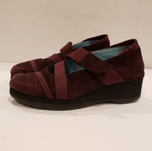 Thierry Rabotin womens suede wedge 39